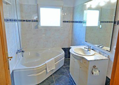 16.Bathroom bath hd
